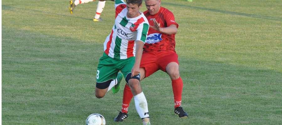 Bartłomiej Nowacki w straciu z defensorem gości