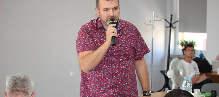 Wiceprezes Kwieciński poinformował, że ŻZK najczęściej odwozi śmieci do Płońska, bo mimo kosztów  paliwa, cena za śmieci jest niższa, niż w pobliskim Sierpcu 2.