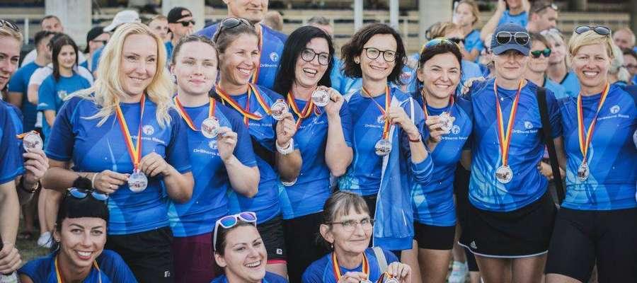 Żeńska osada Drakens Iława zajęła trzecie miejsce w kategorii Women 10, 200 metrów