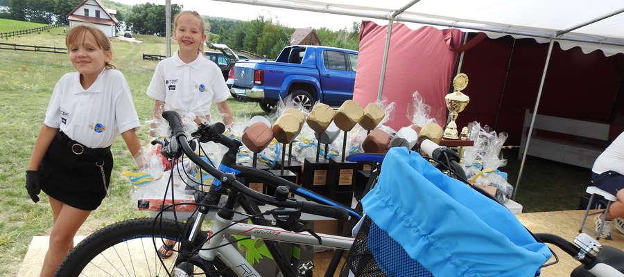 Nagrody, a w tym rowery, czekały na najlepszych zawidników
