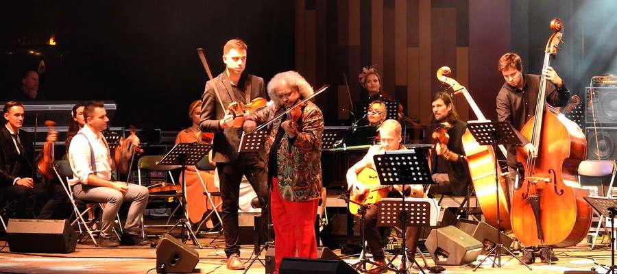 Na skrzypcach gra Roby Lakatos