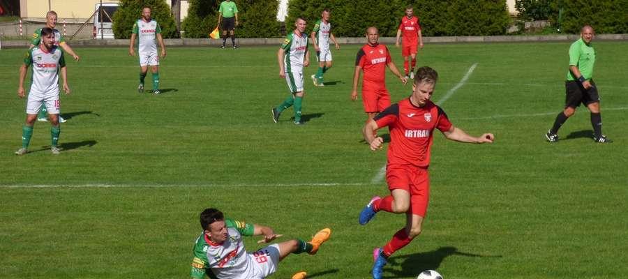 Wakacyjną formę zaprezentowali swoim sympatykom piłkarze Startu Nidzica na inaugurację nowego sezonu