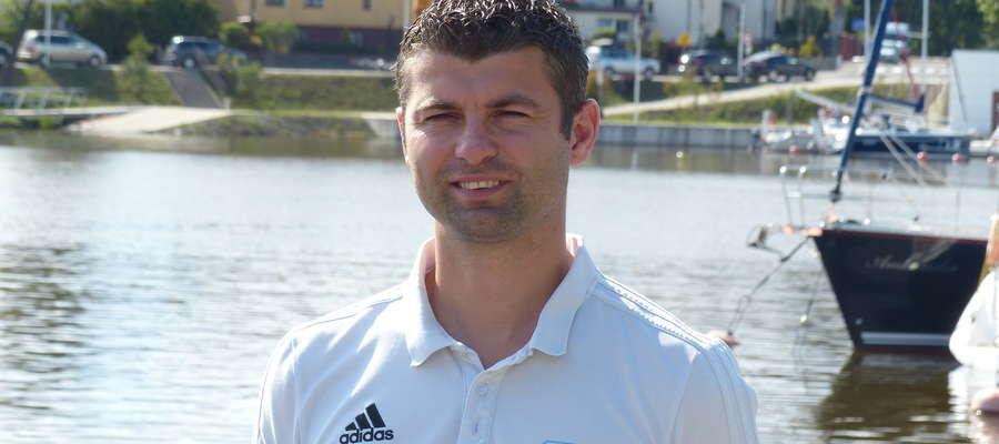 Wojciech Figurski, grający trener Jezioraka, strzelił w Kętrzynie dwa gole a jego drużyna pokonała Granicę 4:1