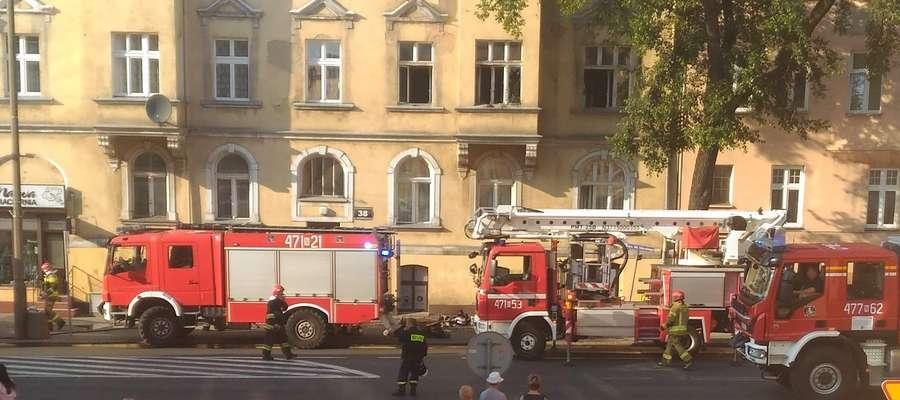 Pożar wybuchł w mieszkaniu w kamienicy przy ul. Sikorskiego w Kętrzynie