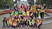 Uczniowie udali się na jesienną wycieczkę do parku