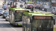 Butelką wódki uderzyli kierowcę olsztyńskiego autobusu. Coraz więcej agresji w komunikacji miejskiej