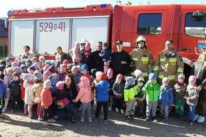 Strażacy z wizytą u przedszkolaków