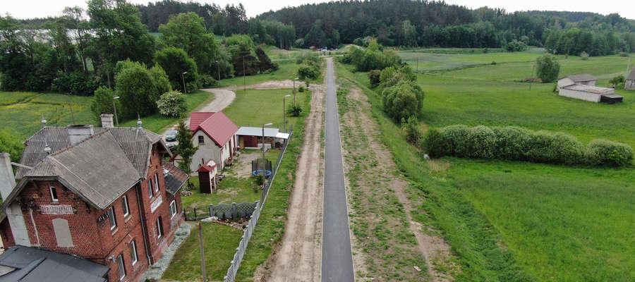 Ścieżka rowerowa przy dawnej stacji kolejowej w Radomnie