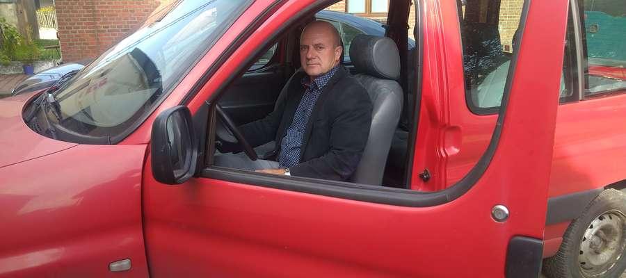 Wójt Piotr Kostrzewski zapewnia, że samochody posłużą gminie jeszcze przez kilka lat.