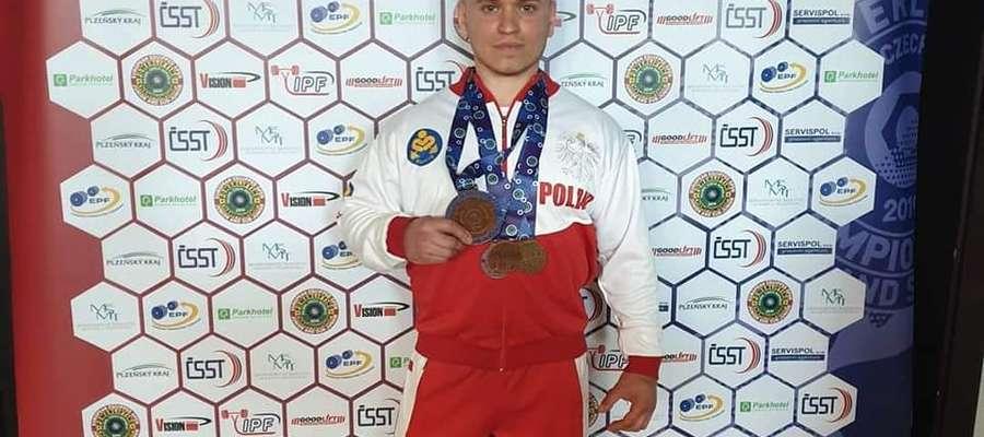 Mariusz Grotkowski jest multimedalistą Mistrzostw Polski. Odnosi sukcesy również na arenach międzynarodowych