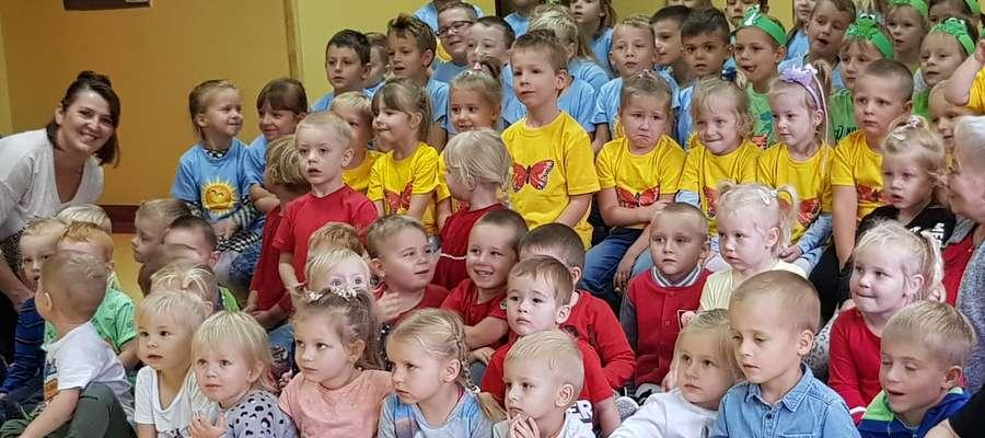 Dzieci podczas spotkania z okazji Dnia Przedszkolaka