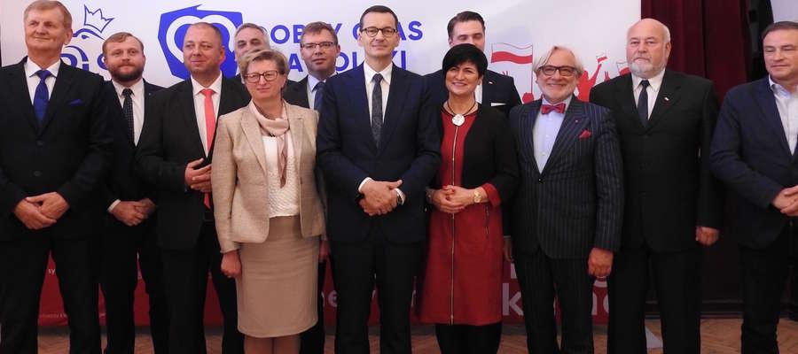 Mateusz Morawiecki wraz z kandydatami do sejmu RP