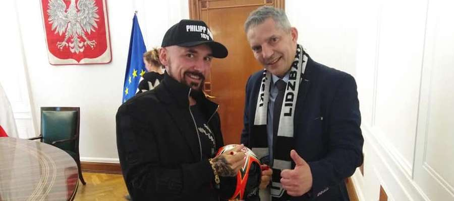 Andrzej Wejngold w towarzystwie reżysera Patryka Vegi