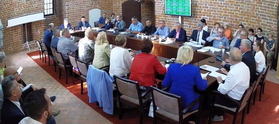Zdania radnych na temat ostatniej uchwały były podzielone