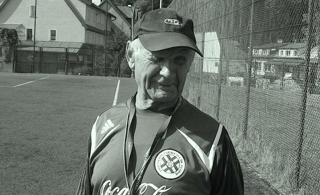 Edward Hincman był wieloletnim trenerem młodych pasjonatów piłki nożnej. Zmarł 15 lutego tego roku. - full image
