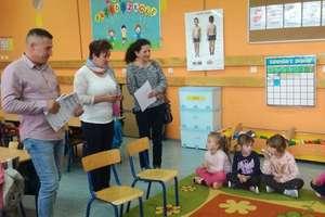 Odwiedziny w Szkole Podstawowej w Waśniewie - Grabowie.