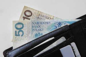 Polacy coraz częściej spierają się z bankami