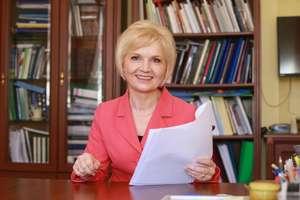 Lidia Ewa Staroń (senator RP) - kandydatka do Senatu w okręgu nr 86, numer na liście 4<br /> KOMITET WYBORCZY WYBORCÓW LIDIA STAROŃ - ZAWSZE PO STRONIE LUDZI<br /> członek partii politycznej: nie należy do partii politycznej<br /> Siedziba Okręgowej Komisji Wyborczej - Ols