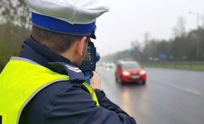 73-latek jechał ponad 120 km/h w obszarze zabudowanym. Stracił prawo jazdy