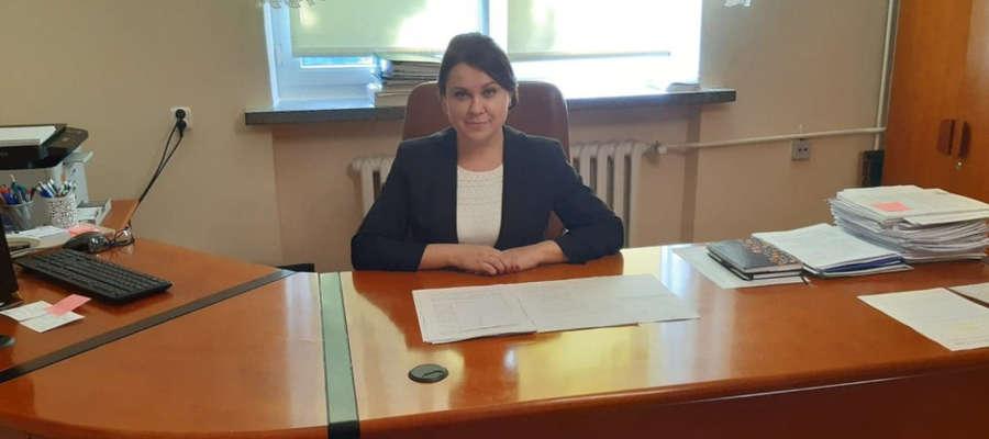 Izabela Zięba od 2015 roku jest nauczycielem dyplomowanym, posiada wykształcenie wyższe magisterskie, jest oligofrenopedagogiem, nauczycielem języka polskiego i historii