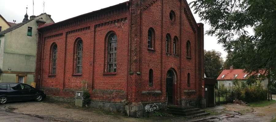 Budynek, w którym niegdyś mieściła się synagoga wymaga wielu prac naprawczych, zwłaszcza w środku
