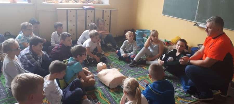 Dzieci poznały zasady pierwszej pomocy i higieny rąk