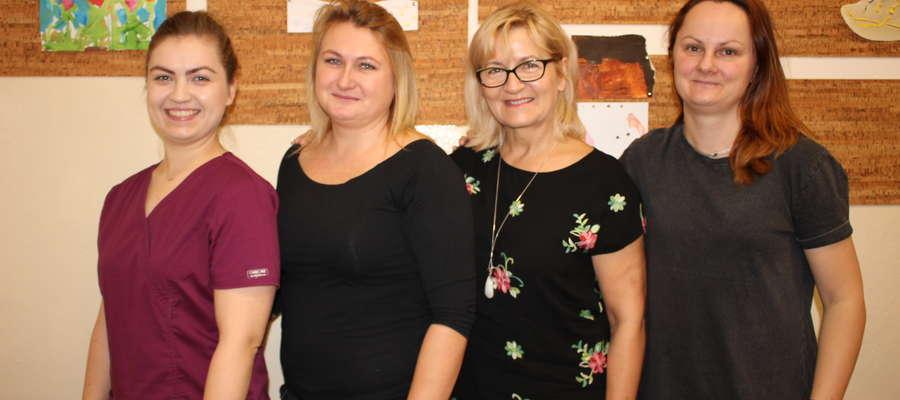 """""""Rok zdrowia w szkole"""" realizują (od lewej): Anna Kowalewska, Marta Więckowska, Jolanta Bolczak i Dominika Bartnicka"""
