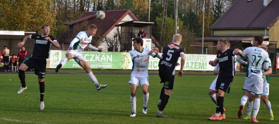 Piłkarze Kaczkana Huraganu odnieśli trzecie zwycięstwo na własnym stadionie, a drugie nad Sokołem