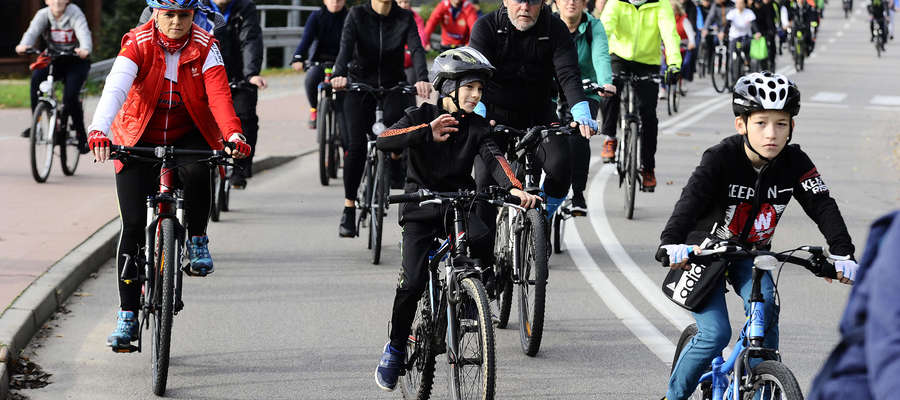 Wsiedli na rower i pomogli Szymonkowi! [155 ZDJĘĆ]