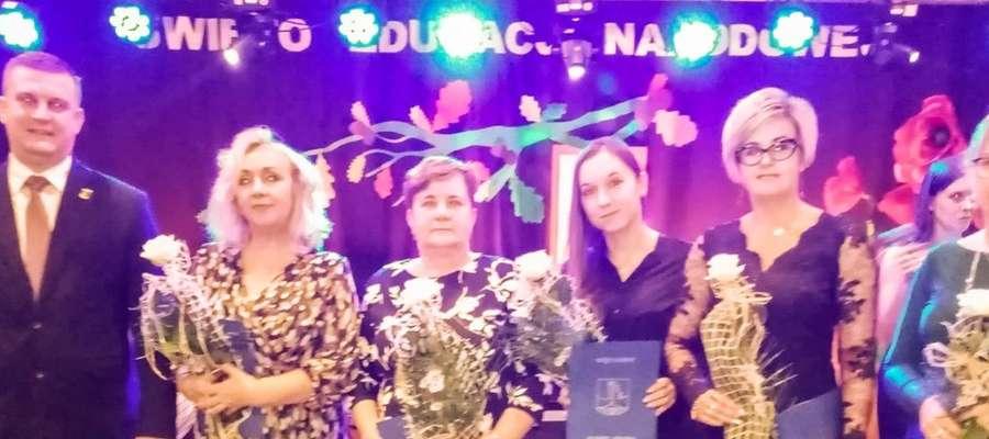 Uroczysta akademia z okazji Dnia Edukacji Narodowej w Iłowie