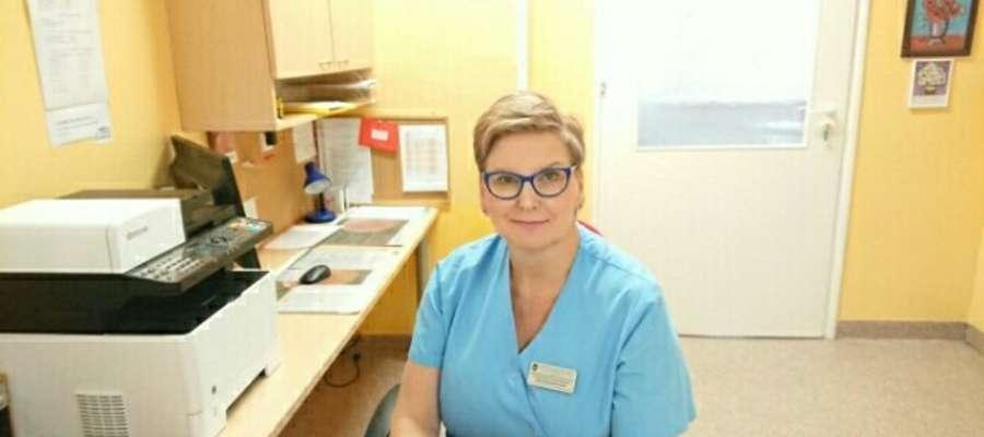 Małgorzata Ejlak często śmieje się i żartuje z pacjentami