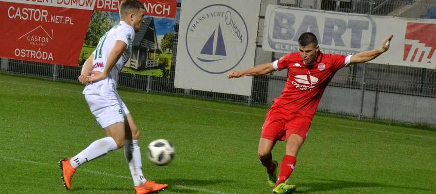 Karol Żwir w meczu z Unią podwyższył prowadzenie ostródzian na 2:0
