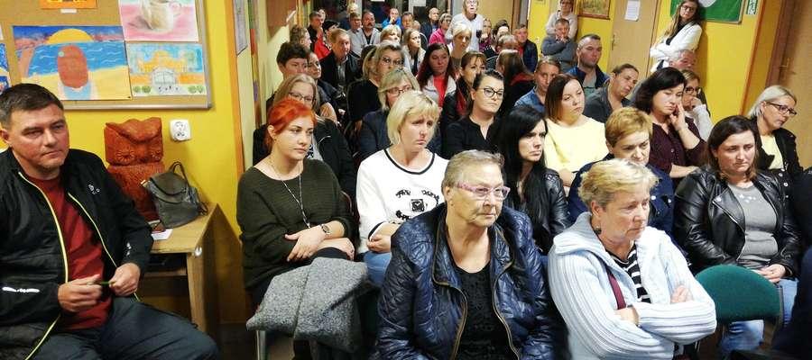 Publiczność spotkania w gwiździńskiej szkole