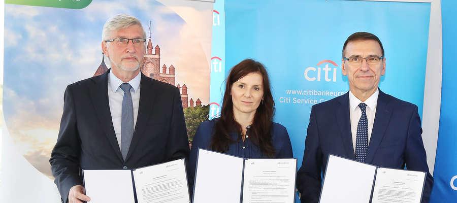 Od lewej: Witold Zieliński, Natalia Bożek i Piotr Grzymowicz