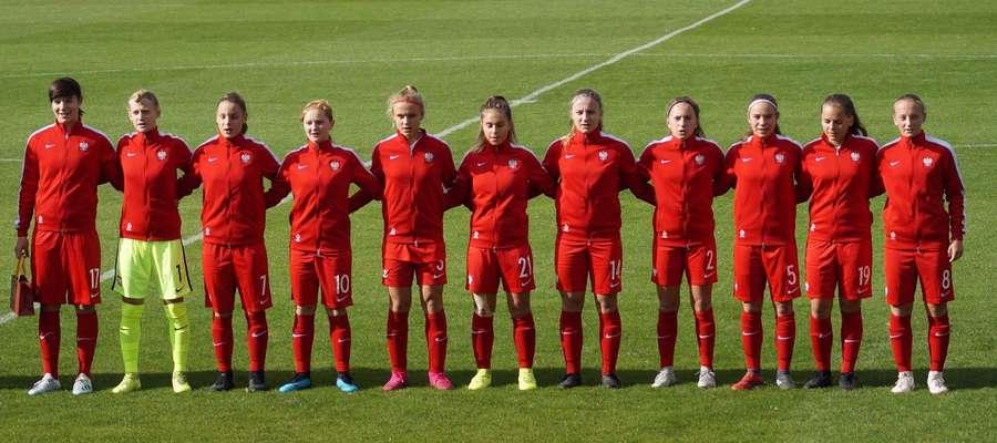 Oliwia Czarnecka (nr 10 na spodenkach) strzeliła Czeszkom dwa gole