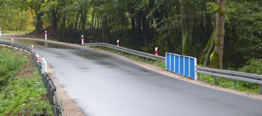 Wyremontowana droga Leginy — Skitno — granica gmin Bartoszyce/Sępopol