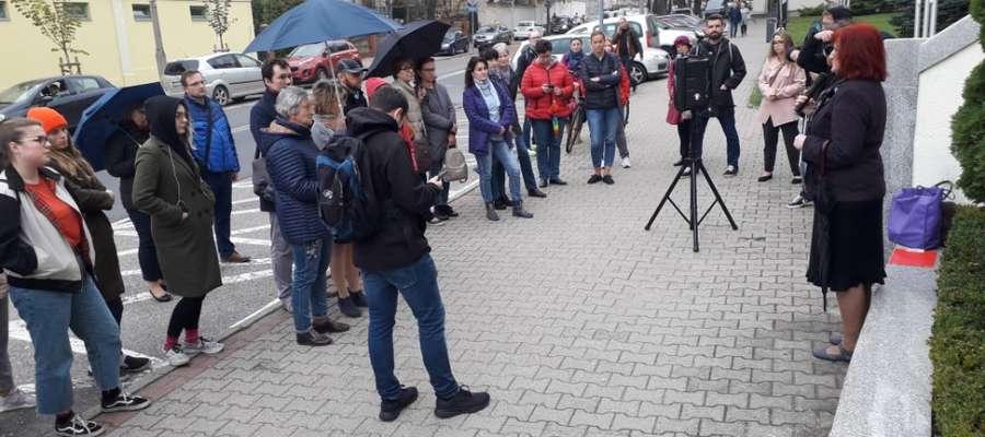 Manifestacja przed Urzędem Wojewódzkim w Olsztynie