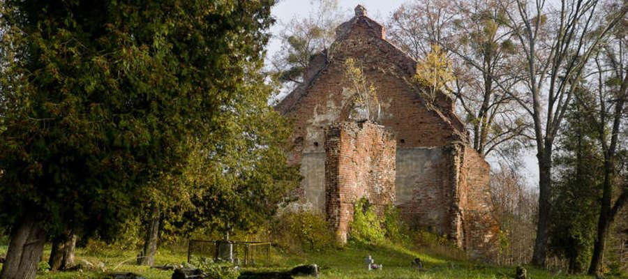 Skarby z naszej okolicy: ruiny gotyckiego kościoła i pozostałości cmentarza  [ZDJĘCIA]