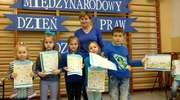 Uczniowie z Dłużca świętowali  Międzynarodowy Dzień Praw Dziecka