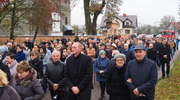 Tłumy ludzi pożegnały księdza Sławka Grzelę