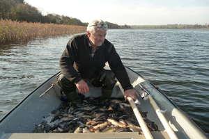 Szczupaki, okonie, liny, karasie i karpie zamieszkały w Jeziorze Mildzie