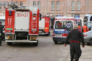 Wybuch w warsztacie samochodowym w Olsztynie. Trzy osoby trafiły do szpitala [ZDJĘCIA]