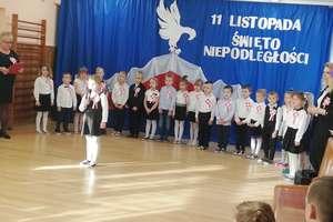 Przedszkole Miejskie w Korszach w  biało - czerwonych barwach
