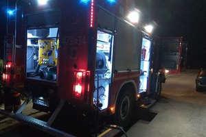 Tajemniczy wybuch przyczyną nocnego pożaru w Ostródzie
