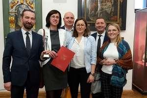 Nagroda marszałka za pracę na rzecz osób potrzebujących