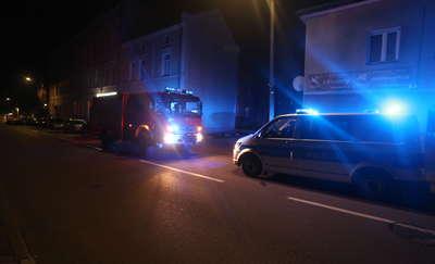Gaz ulatniał się w budynku mieszkalnym. Jedna osoba trafiła do szpitala