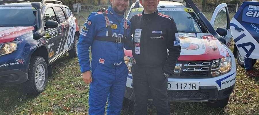 Załoga Hołowczyc Racing: z lewej bartoszycki pilot Adam Binięda, obok kierowca Bartłomiej Grabowski z Siedlec