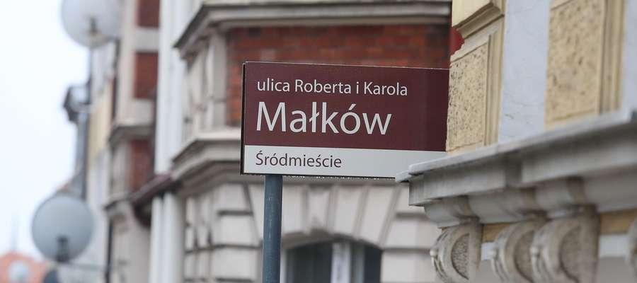 Olsztyn. Tablica z błędną nazwą ulicy