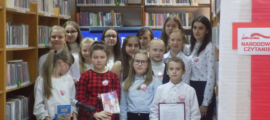 Dzieci zostały nagrodzone gromkimi brawami