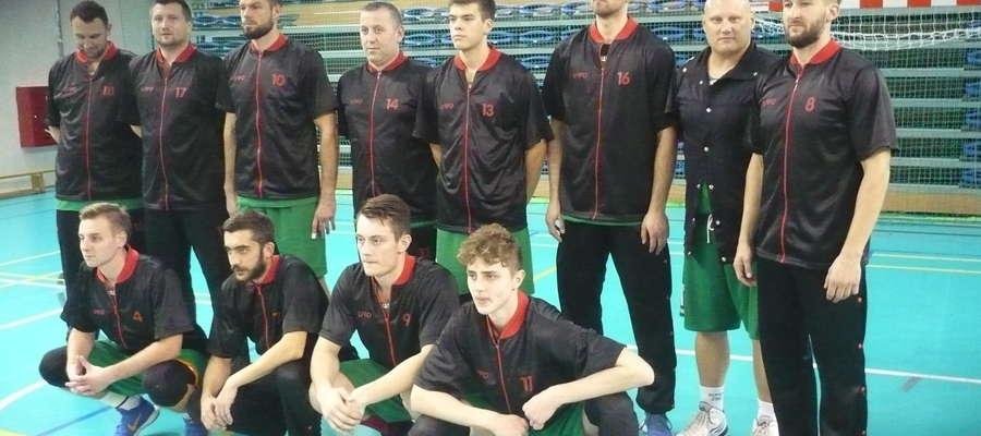 Zespół AZS UWM Olsztyn przed pierwszym trzecioligowym spotkaniem w poprzednim sezonie